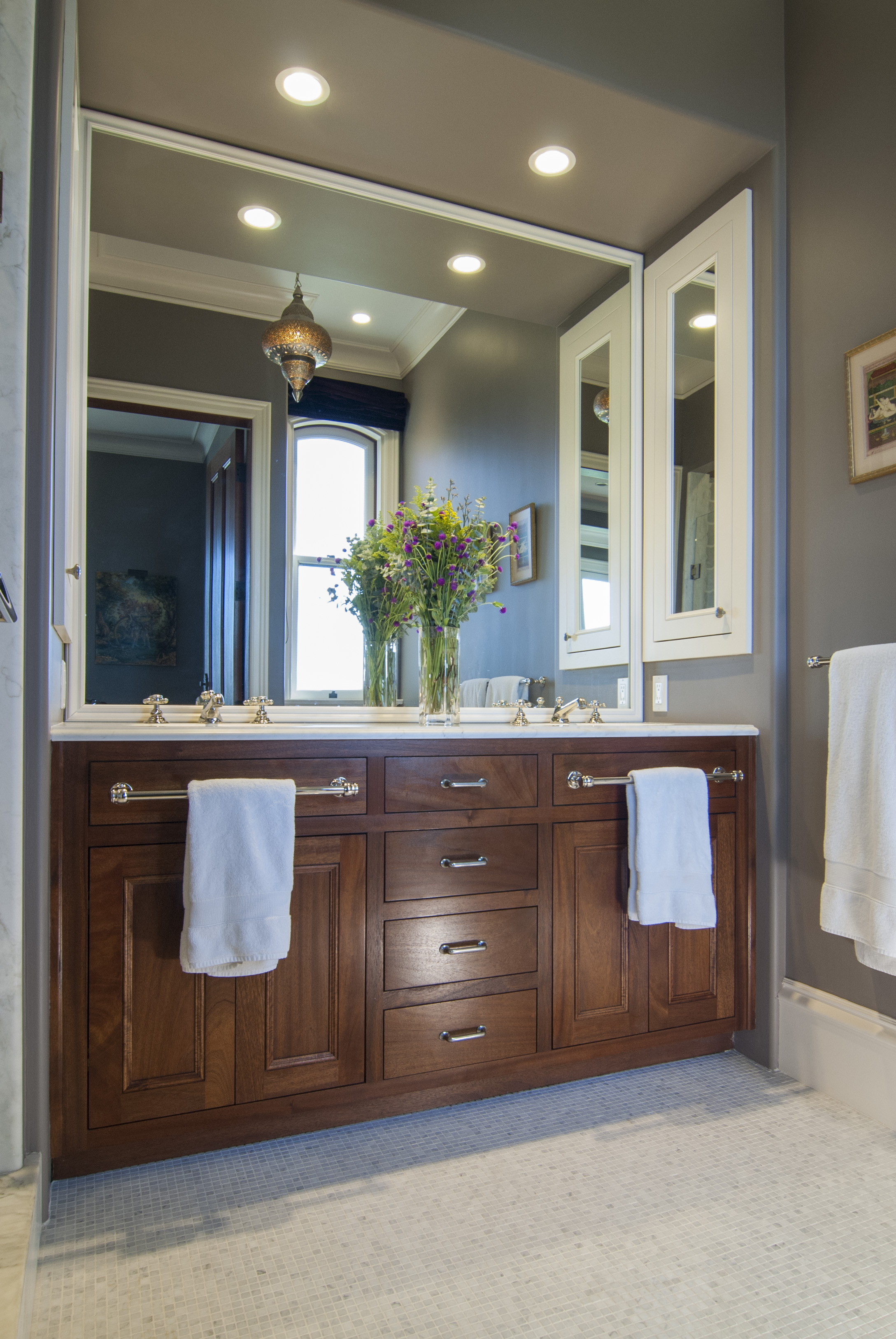 Transitional Master Bathroom Vanity with Double Sinks, White Counter Top, Silver Faucets and Pulls