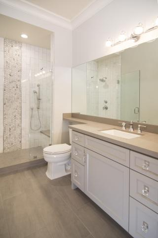 Beautiful Clean Transitional Master Bathroom