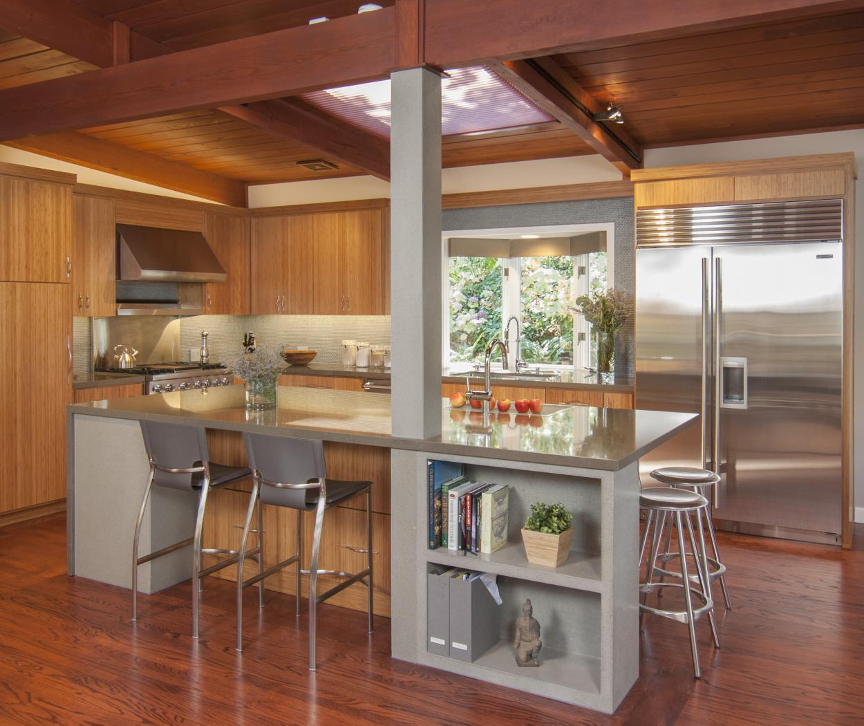 Beautiful Contemporary Kitchen with Stainless Steel Appliances