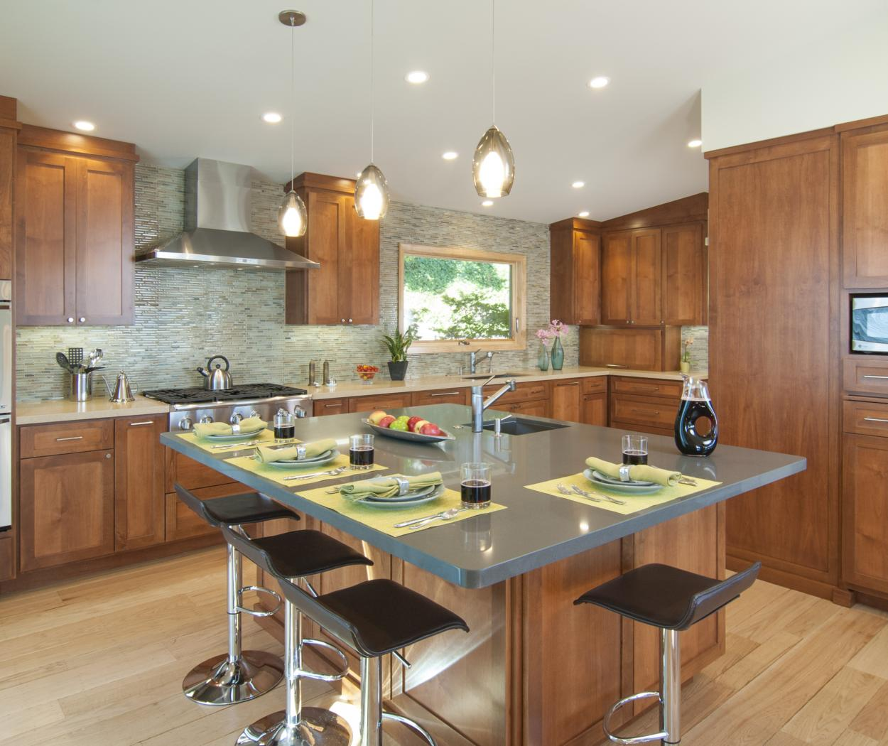 Transitional, Shaker Style Kitchen Cabinets Built in Alder with a Beautiful Matching Island and Stainless Steel Appliances